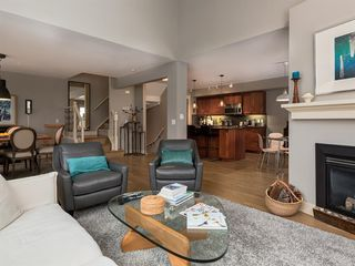 Photo 6: 502 10 Discovery Ridge Hill SW in Calgary: Discovery Ridge Row/Townhouse for sale : MLS®# A1050015