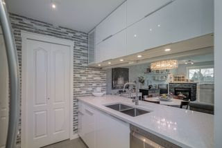 """Photo 11: 306 1588 BEST Street: White Rock Condo for sale in """"THE MONTEREY"""" (South Surrey White Rock)  : MLS®# R2520962"""