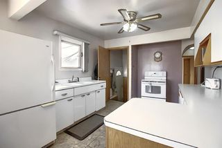 Photo 11: 2502 26 Street SE in Calgary: Southview Detached for sale : MLS®# A1059886
