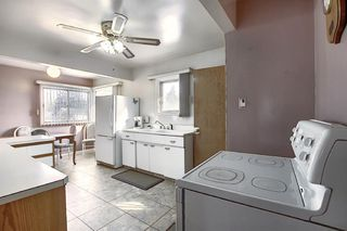 Photo 10: 2502 26 Street SE in Calgary: Southview Detached for sale : MLS®# A1059886