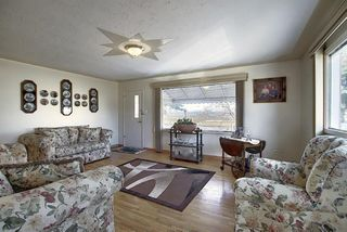 Photo 4: 2502 26 Street SE in Calgary: Southview Detached for sale : MLS®# A1059886