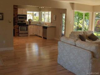 Photo 4: 1064 Eaglecrest Dr in QUALICUM BEACH: PQ Qualicum Beach House for sale (Parksville/Qualicum)  : MLS®# 537945