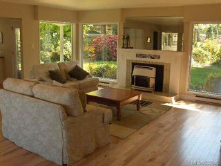 Photo 2: 1064 Eaglecrest Dr in QUALICUM BEACH: PQ Qualicum Beach House for sale (Parksville/Qualicum)  : MLS®# 537945