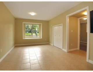 Photo 5: 5825 WOODSWORTH Street in Burnaby: Central BN House 1/2 Duplex for sale (Burnaby North)  : MLS®# V748580