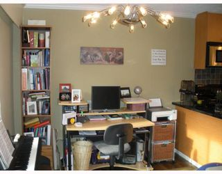 """Photo 6: 210 1930 W 3RD Avenue in Vancouver: Kitsilano Condo for sale in """"The Westview"""" (Vancouver West)  : MLS®# V761959"""