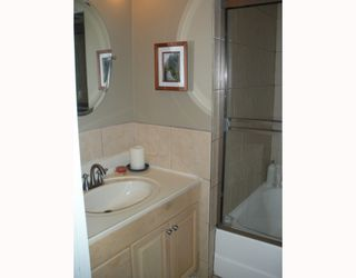 "Photo 4: 210 1930 W 3RD Avenue in Vancouver: Kitsilano Condo for sale in ""The Westview"" (Vancouver West)  : MLS®# V761959"