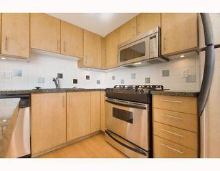 "Photo 5: 1704 120 MILROSS Avenue in Vancouver: Mount Pleasant VE Condo for sale in ""Brighton"" (Vancouver East)  : MLS®# V768069"