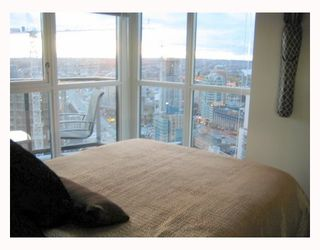 "Photo 7: 2907 1199 SEYMOUR Street in Vancouver: Downtown VW Condo for sale in ""THE BRAVA"" (Vancouver West)  : MLS®# V777341"