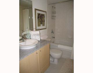 """Photo 8: 2907 1199 SEYMOUR Street in Vancouver: Downtown VW Condo for sale in """"THE BRAVA"""" (Vancouver West)  : MLS®# V777341"""