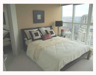 "Photo 6: 2907 1199 SEYMOUR Street in Vancouver: Downtown VW Condo for sale in ""THE BRAVA"" (Vancouver West)  : MLS®# V777341"