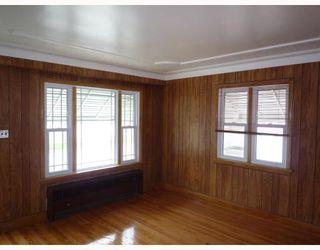 Photo 2: 491 MAGNUS Avenue in WINNIPEG: North End Residential for sale (North West Winnipeg)  : MLS®# 2913486