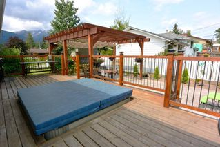 """Photo 11: 1815 PRINCESS Street in Smithers: Smithers - Town House for sale in """"Hill Section"""" (Smithers And Area (Zone 54))  : MLS®# R2392951"""
