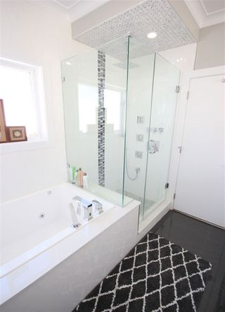 """Photo 15: 6009 PATRICK Street in Burnaby: South Slope House for sale in """"SOUTH SLOPE"""" (Burnaby South)  : MLS®# R2397388"""