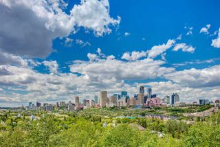 Photo 5: 8953 STRATHEARN Drive in Edmonton: Zone 18 House for sale : MLS®# E4175054