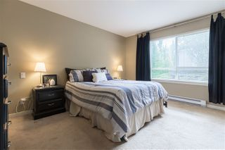 "Photo 12: 43 16789 60 Avenue in Surrey: Cloverdale BC Townhouse for sale in ""LAREDO"" (Cloverdale)  : MLS®# R2411112"
