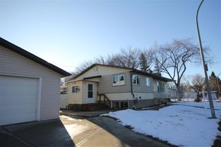 Photo 4: 5007 123 Avenue in Edmonton: Zone 06 House for sale : MLS®# E4180085