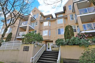 "Photo 1: 102 1558 GRANT Avenue in Port Coquitlam: Glenwood PQ Condo for sale in ""GRANT GARDENS"" : MLS®# R2444308"