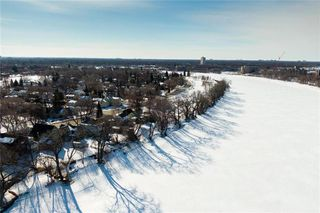 Photo 34: 182 Lyndale Drive in Winnipeg: Norwood Flats Residential for sale (2B)  : MLS®# 202006548