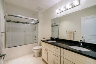 """Photo 12: 111 10748 GUILDFORD Drive in Surrey: Guildford Townhouse for sale in """"GUILDFORD CLOSE"""" (North Surrey)  : MLS®# R2457546"""