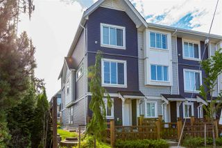 Photo 2: 10 8699 158 Street in Surrey: Fleetwood Tynehead Townhouse for sale : MLS®# R2470005