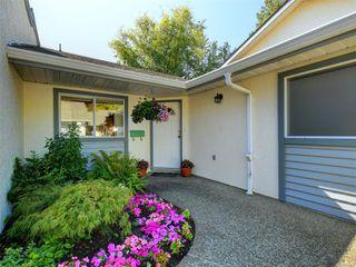 Photo 1: 15 5156 Cordova Bay Rd in : SE Cordova Bay Row/Townhouse for sale (Saanich East)  : MLS®# 853801