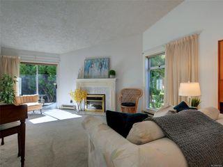 Photo 3: 15 5156 Cordova Bay Rd in : SE Cordova Bay Row/Townhouse for sale (Saanich East)  : MLS®# 853801