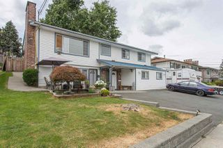 Photo 2: 2087 EMERSON Street in Abbotsford: Abbotsford West House for sale : MLS®# R2491240