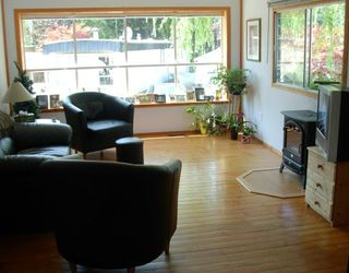 "Photo 3: 57 3295 SUNNYSIDE Road: Anmore Manufactured Home for sale in ""COUNTRYSIDE VILLAGE"" (Port Moody)  : MLS®# V803789"
