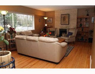 "Photo 2: 5209 LYNN Place in Ladner: Ladner Elementary House for sale in ""LADNER ELEMENTARY"" : MLS®# V809720"
