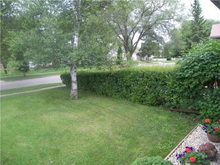 Photo 3: 254 Kingsford Avenue in WINNIPEG: North Kildonan Residential for sale (North East Winnipeg)  : MLS®# 1014873