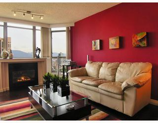 "Photo 4: 2605 867 HAMILTON Street in Vancouver: Downtown VW Condo for sale in ""JARDINE'S LOOKOUT"" (Vancouver West)  : MLS®# V779994"