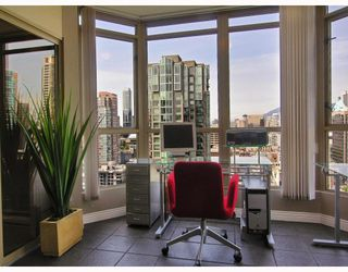 "Photo 6: 2605 867 HAMILTON Street in Vancouver: Downtown VW Condo for sale in ""JARDINE'S LOOKOUT"" (Vancouver West)  : MLS®# V779994"