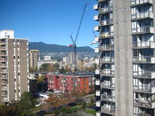 "Photo 2: 905 1250 BURNABY Street in Vancouver: West End VW Condo for sale in ""The Horizon"" (Vancouver West)  : MLS®# R2424794"