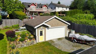 Photo 2: 629 MARTIN Road in Gibsons: Gibsons & Area House for sale (Sunshine Coast)  : MLS®# R2469876