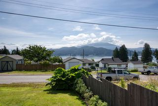 Photo 14: 629 MARTIN Road in Gibsons: Gibsons & Area House for sale (Sunshine Coast)  : MLS®# R2469876