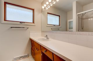 Photo 13: 3835 CHARLESWOOD Drive NW in Calgary: Charleswood Detached for sale : MLS®# A1020655