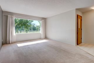 Photo 3: 3835 CHARLESWOOD Drive NW in Calgary: Charleswood Detached for sale : MLS®# A1020655