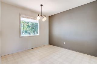 Photo 5: 3835 CHARLESWOOD Drive NW in Calgary: Charleswood Detached for sale : MLS®# A1020655