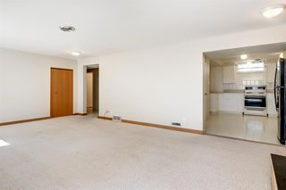 Photo 16: 3835 CHARLESWOOD Drive NW in Calgary: Charleswood Detached for sale : MLS®# A1020655