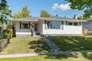 Main Photo: 3835 CHARLESWOOD Drive NW in Calgary: Charleswood Detached for sale : MLS®# A1020655