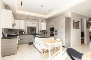 """Photo 2: 894 W 19TH Avenue in Vancouver: Cambie House for sale in """"CAMBIE"""" (Vancouver West)  : MLS®# R2484635"""