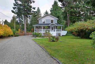 Photo 2: 7793 LOHN Road in Halfmoon Bay: Halfmn Bay Secret Cv Redroofs House for sale (Sunshine Coast)  : MLS®# R2518868