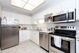 """Photo 9: 307 19131 FORD Road in Pitt Meadows: Central Meadows Condo for sale in """"WOODFORD"""" : MLS®# R2527628"""