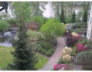 Photo 2: 205 83 STAR Crescent in New Westminster: Queensborough Condo for sale : MLS®# V787394