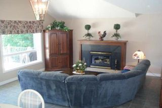 Photo 8: 27 Hillcrest Avenue in Kawartha L: House (Bungalow) for sale (X22: ARGYLE)  : MLS®# X1423183