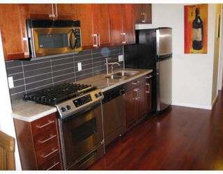"""Photo 3: 303 2055 YUKON Street in Vancouver: Mount Pleasant VW Condo for sale in """"THE MONTREUX"""" (Vancouver West)  : MLS®# V754254"""