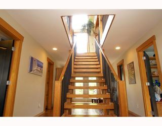 Photo 3: 1013 TOBERMORY Way in Squamish: Garibaldi Highlands House for sale : MLS®# V757176