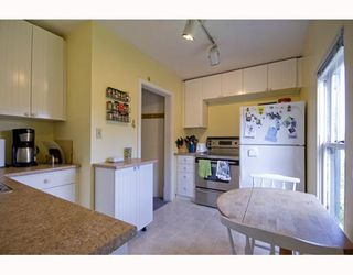 Photo 4: 31 W 11TH Avenue in Vancouver: Mount Pleasant VW House for sale (Vancouver West)  : MLS®# V773321
