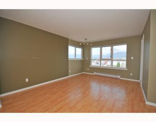 "Photo 4: 901 1833 FRANCES Street in Vancouver: Hastings Condo for sale in ""PANORAMA GARDENS"" (Vancouver East)  : MLS®# V773744"
