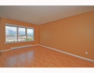 "Photo 5: 901 1833 FRANCES Street in Vancouver: Hastings Condo for sale in ""PANORAMA GARDENS"" (Vancouver East)  : MLS®# V773744"